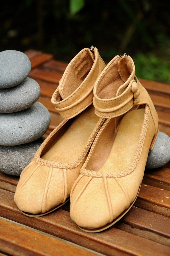 MUSE JUNIOR. Girls ballet flat shoes / girls shoes / girls leather shoes / girls flats. Sizes 24-34. Available in different leather colors.