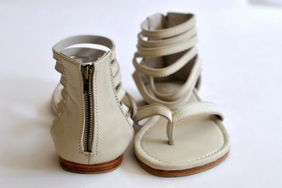 MOLLE. Ivory leather thong sandals / womens leather flats / wedding shoes / bridal. Sizes US 4-13. Available in different leather colors.