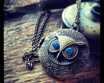 Steampunk Owl Locket Necklace hoot Blue Jewel eyes antique brass chain pendant vintage jewelry
