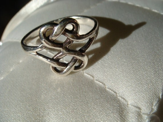 Beautiful Knotted Silver Ring