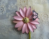 Vintage pink daisy enamel pin brooch with butterfly