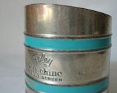 Vintage 1940s Flour Sifter // Foley Shift-Chine // Aqua Flour Sifter
