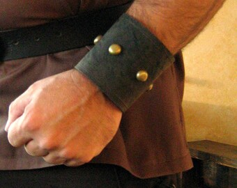 "Medieval Armor Studded Leather 3"" Bracers"
