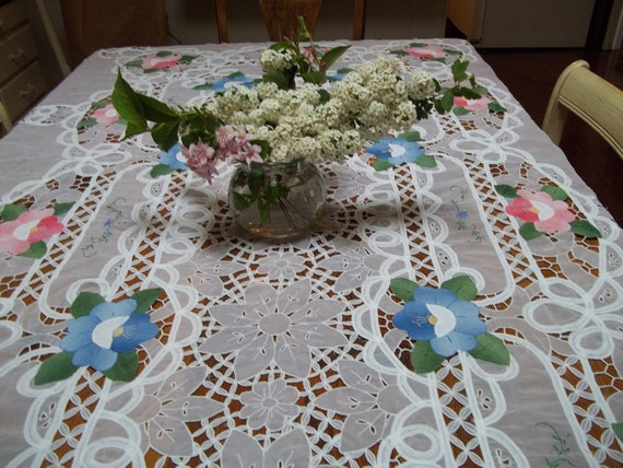 Lace Flowered  tablecloth Exquisite Pink., Green, Blue