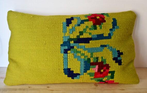 "SPRING SALE Handwoven Woolen Kilim Pillow Cower, 22"" X 14"" Decorative Pillow, Floral Pattern Kilim Pillow Cower"