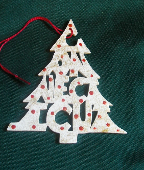 Connecticut ornament, tree shaped