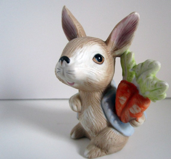 Homco Vintage Mischievous Brown Peter Rabbit With Blue Coat and Carrots Figurine