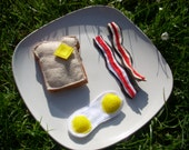Pretend Felt Food- 3D Buttered toast with eggs and bacon breakfast set.