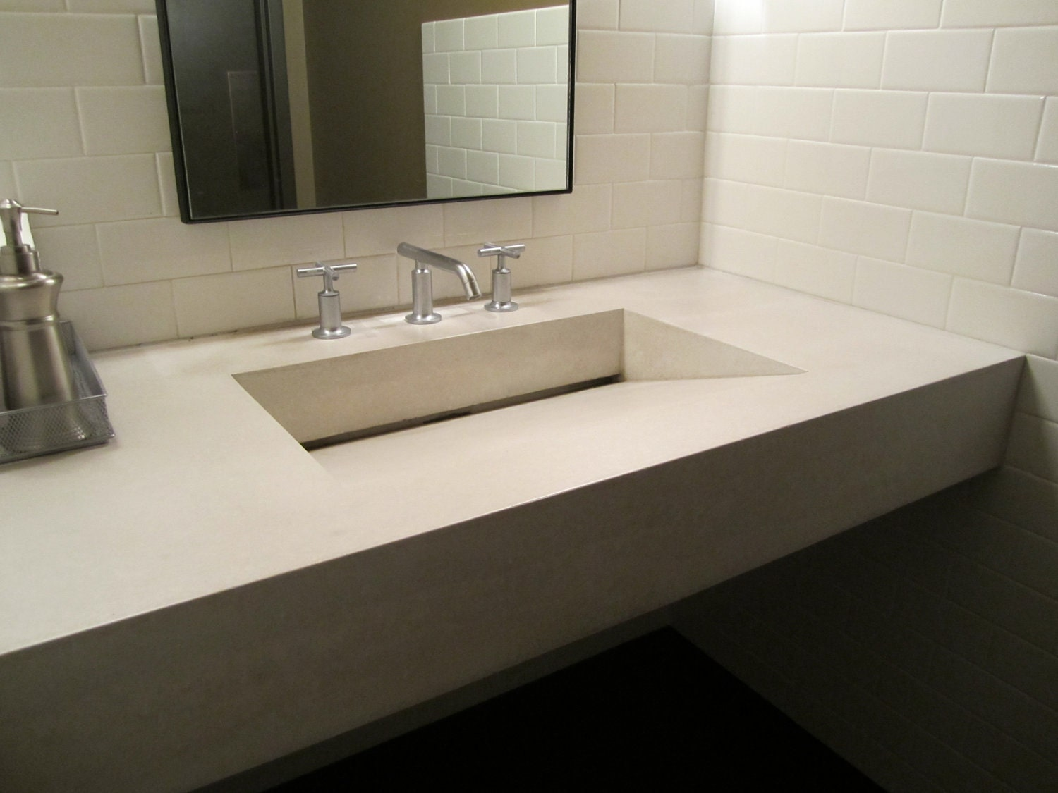 Floating Concrete Ramp Sink in Ivory