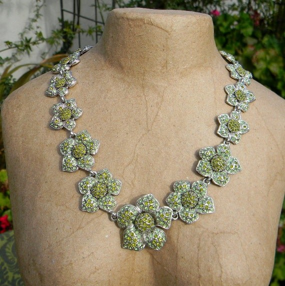 "Vintage 1970s Green Rhinestone Floral ""Show Girl"" Necklace"