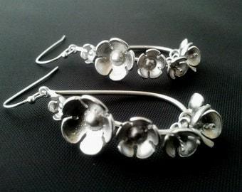 6 Flower Tear Drop Earrings,Drop, Dangle, bridesmaid gifts,Wedding jewelry - Very Cute