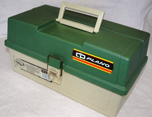 Plano fishing box clam shell 2 tray tackle box viintage 6302 for Plano fishing box