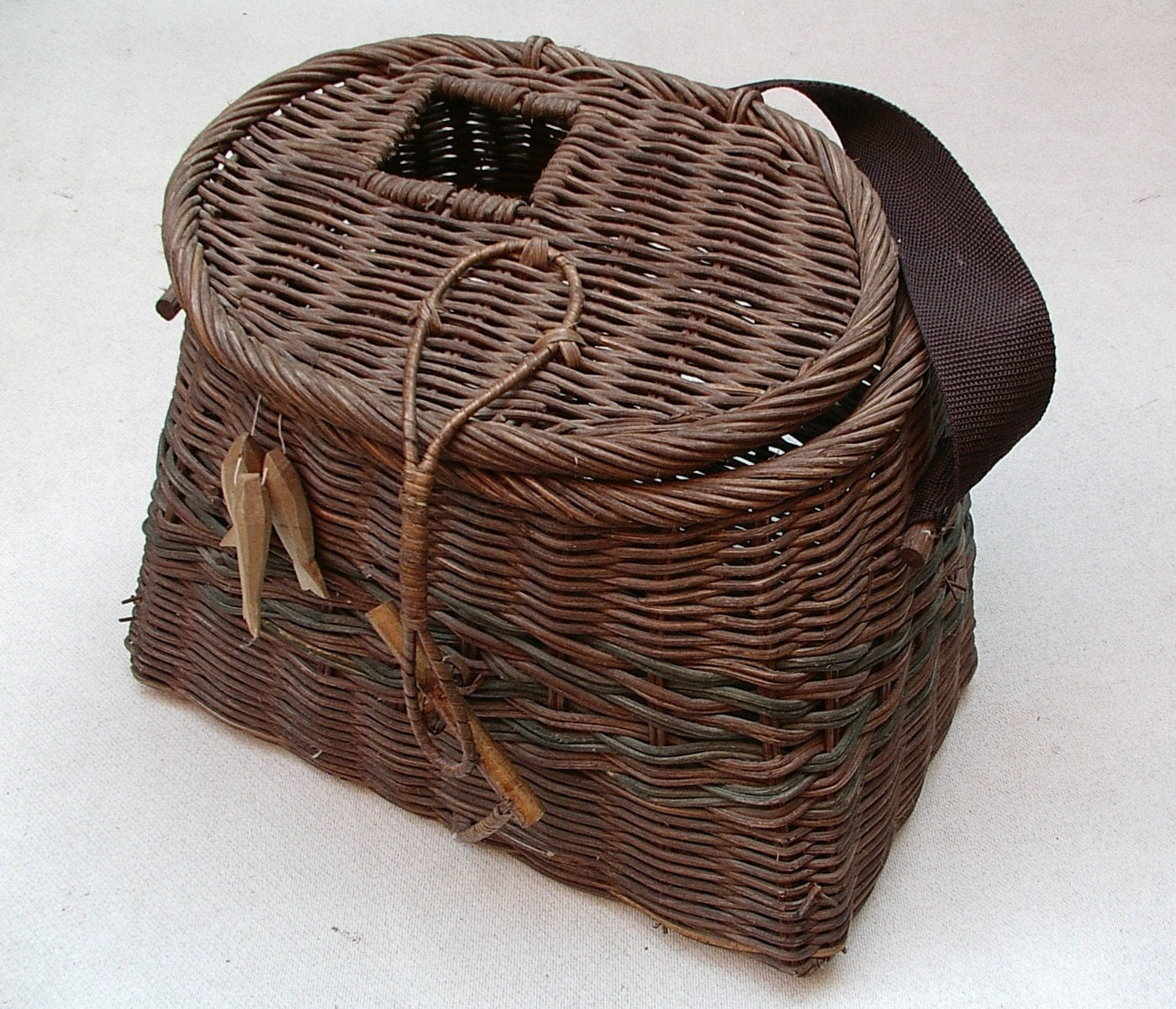 vintage wicker trout fishing creel fly fish basket primitive