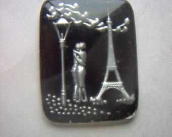 Vintage Glass Intaglio of  Lovers at Eiffel Tower Paris   # K 9