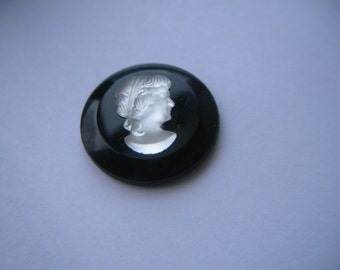 Round Vintage Glass Black Frosted White Cameo x 2   # ZZZ 16