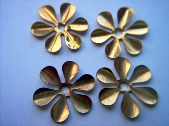Vintage Brass Flower Stampings x 4