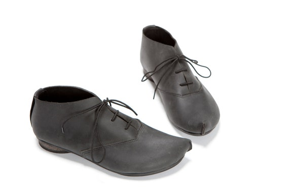 Classic oxford shoes with a corner