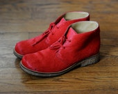 Vintage Womens Red Fur Lace Up Boots