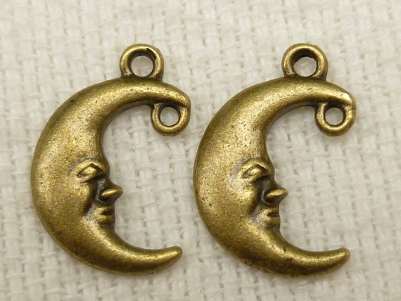 Antiqued Bronze Connector Two Loop Moon Charms (8) - A60