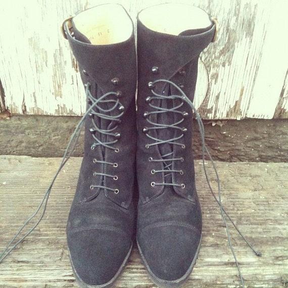 Vintage Salvatore Ferragamo Black Suede Leather Lace Up Boots SIZE 5.5