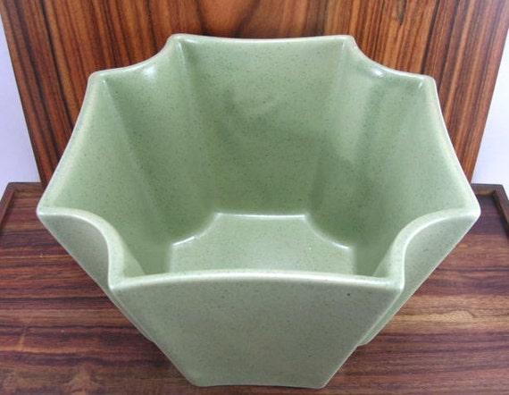 Vintage Haeger Planter -- Matte Green Glaze  -- Retro, Art Deco, Cool