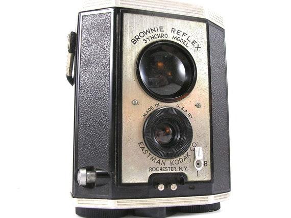 Kodak 1940 Brownie Reflex Camera -- Vintage, Retro, Made in USA
