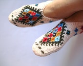 Handmade Women Slippers - Turkish Knitted slippers, Authentic footwear, Stylish foot warm Traditional Socks, Ivory, red, blue, olive green,