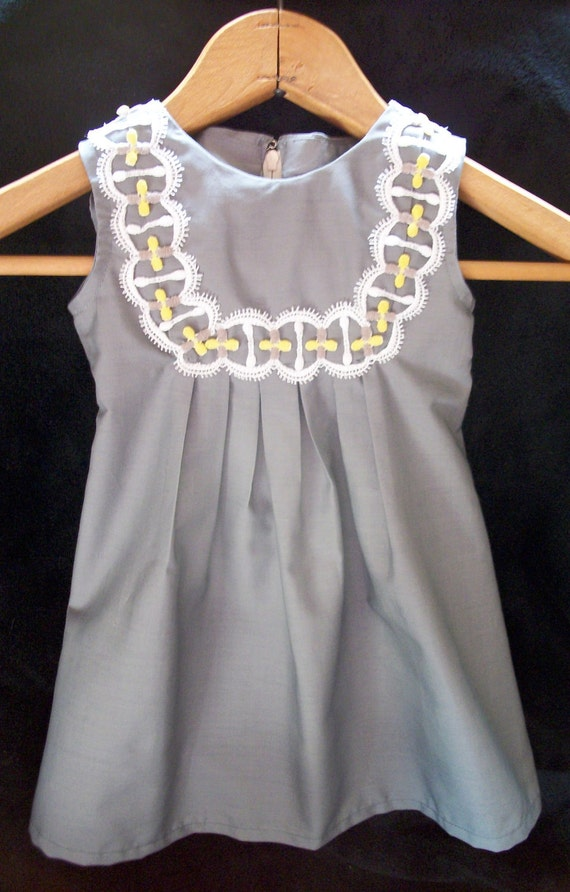 SALE: Girl Dress Gray w/ Vintage Yellow & White Trim Size 9-12 months (size 1/2 pattern)