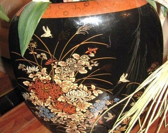 Lovely Artistic Oriental Asian Zen Vase Hand Painted