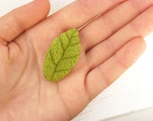 Summer leaflet plush brooch / Cute nature inspired leaf pin / Woodland gift in green / Made to order