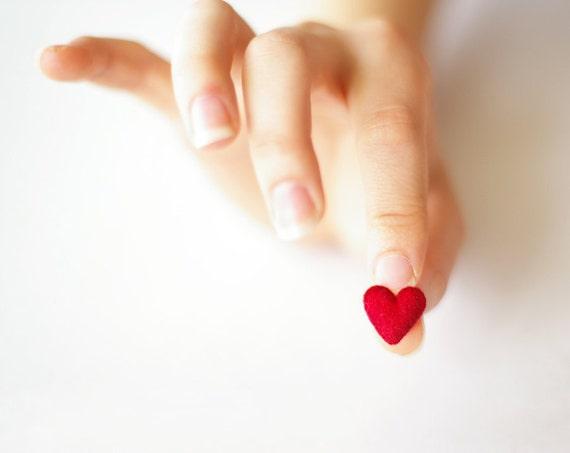 Super small red heart brooch / Sweet plush mini brooch / Miniature