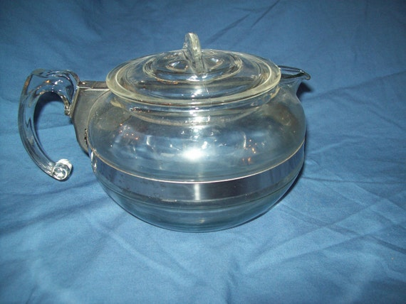 Pyrex 6 Cup Glass Tea or Coffee Pot 8126B