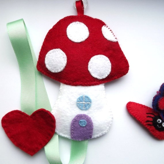 Toadstool House Hair Clip Holder