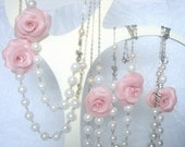 Bridesmaids - 5 Necklaces  roses & pearls