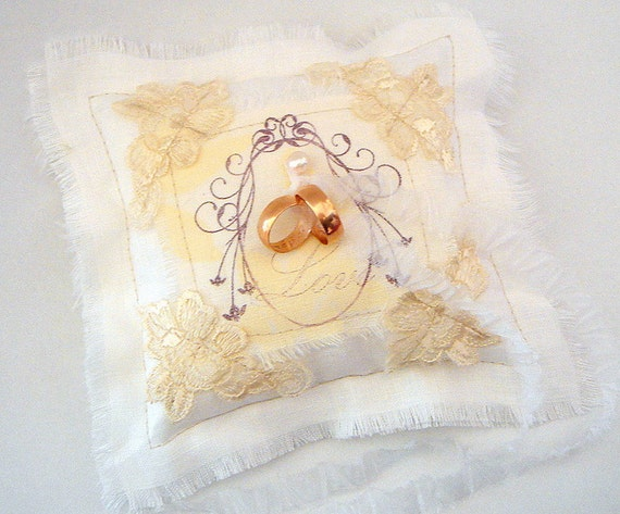 Items similar to Vintage Ring Pillow, Shabby Chic Ring Pillow,Wedding Pillow,Linen Ring Bearer ...