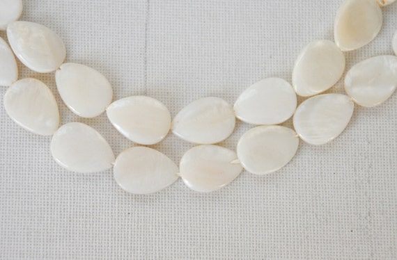 mother of pearl 25 pcs  (semiprecious stone)  jewelry making materials, REF-121
