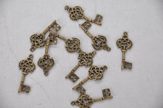 key  10 pieces jewelry making materials.REF-219