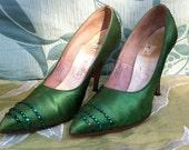 Vintage 50s / 60s Green Rhinestone-Studded Stilletto Heels Size 5.5