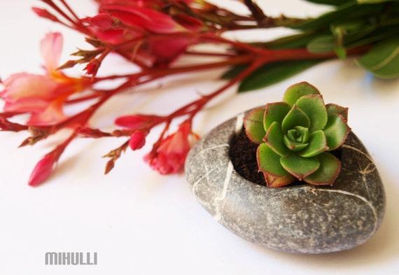 relax gardening - flowerpot - hand engraved beach stone flower planter - simple zen design - zen garden relax