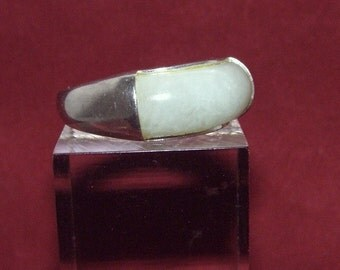 Sterling Silver Fancy Cut Green Jade ring Estate Jewelry