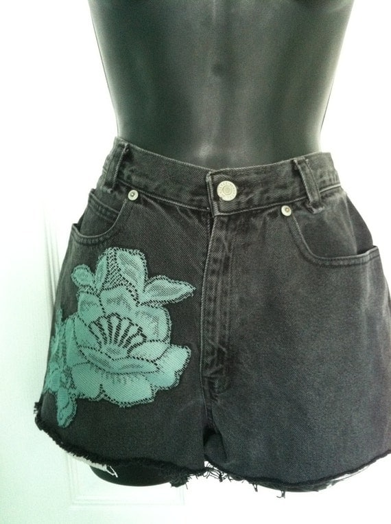 Vintage Highwaisted Jean Shorts with Lace