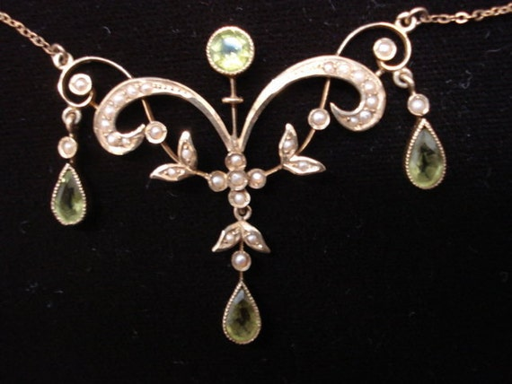 Museum Quality Gold Lavaliere Victorian Necklace Peridot Gem Stones Seed Pearls