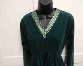 Vintage 1970s Kelly Green Velveteen Gown with Metallic Embroidery