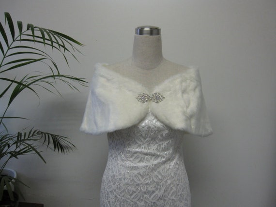 Faux Fur Bridal Wrap Stole, bridal wedding faux fur wrap, faux fur bolero jacket, bridal shrug, bridal bolero - Ivory