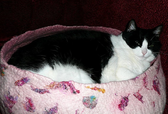 SALE Felted bed for cat