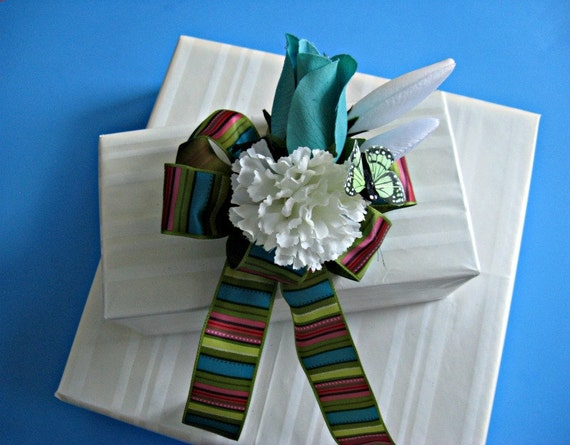 """Turquoise all occasion bow with multicolored stripes and 2"""" butterfly (GN22)"""
