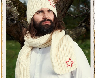 "Beanie, scarf and gloves, hand-knitted and hand-embroidered, merino wool - ""Woolen Star"""