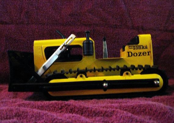 Vintage MIGHTY TONKA DOZER Truck 1960s Toy Caterpillar Bull Dozer in Rare Excellent Condition