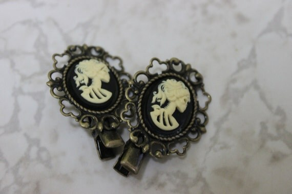 Skeleton Cameo Hair Clips