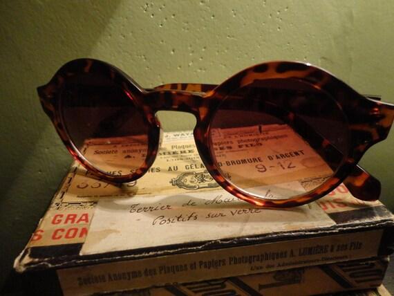 Vintage Brown 70s Tortoise Frame Safari Round Bug Eye Sunglasses